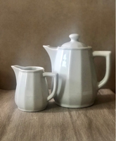 Used Porcelain tea pot and milk jar  in Dubai, UAE