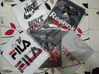 Used Assorted T-shirt 5 pieces Large in Dubai, UAE
