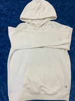 Used White Hoody بلوفر ابيض in Dubai, UAE
