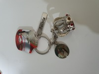 Used Austria. 2 key rings and pen with clock in Dubai, UAE