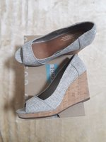 Used Like new Toms wedge shoes in Dubai, UAE