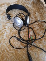 Used Headset with microphone in Dubai, UAE