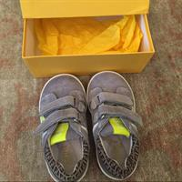 Used fendi Toddler shoes size 21.. reduced price in Dubai, UAE