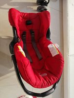 Car seat in red