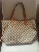 Used Louis Vuitton Neverfull MM Bag - Class A in Dubai, UAE