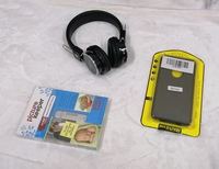 Used Sterio Headphones, Phone Case, Picture K in Dubai, UAE