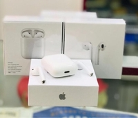 Used Airpods 2 master copy with all features  in Dubai, UAE