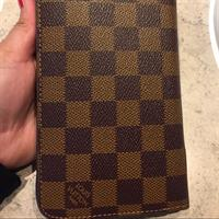 Used Class A Louis Vuitton Wallet . Watts up For Better Price 056 5344597 in Dubai, UAE