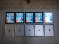 Used Ipad 2 cleans peace's in Dubai, UAE