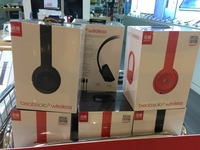 Used Beats Solo 3 wireless headphones  in Dubai, UAE