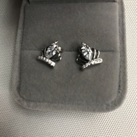 Used 925 silver queen 👑 design earrings  in Dubai, UAE