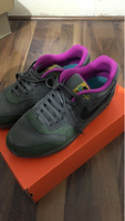 "Used Air max 1 ""Skunk"" almost new, size US 9 in Dubai, UAE"