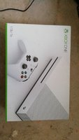 Used XBOX ONE S 1 TB WHITE LIMITED EDITING in Dubai, UAE