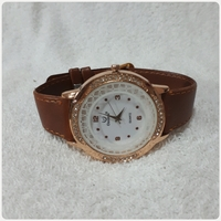 Used New fabulous Brown amazing watch.. in Dubai, UAE