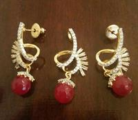 Used Zircon Stone Pendant & Earings Set 9. in Dubai, UAE