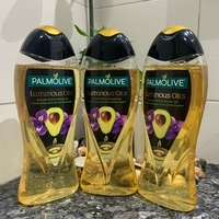 Used PALMOLIVE Shower Gel LuminousOils 500ml in Dubai, UAE