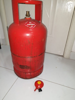 Used Gas cylinder with Regelator in Dubai, UAE