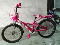 Used Kid's bicycle in Dubai, UAE
