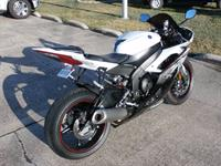 Used 2012 Yamaha YZF R6 for sale, whatsapp me +237670515880 in Dubai, UAE