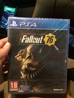 Used Ps4 fallout 76 in Dubai, UAE