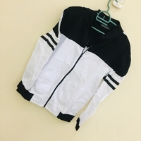 Used New sport/weather jackets size L in Dubai, UAE