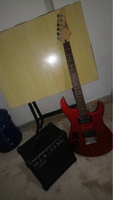 Used Electric guitar in Dubai, UAE