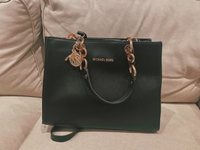 Used Michael Kors tote bag in Dubai, UAE