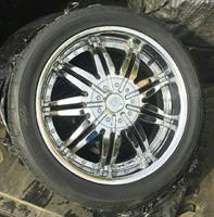 Used F5 Rims And Brand New Tires in Dubai, UAE