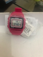 Used Offer!!!! Cute watches good for gift!!! in Dubai, UAE