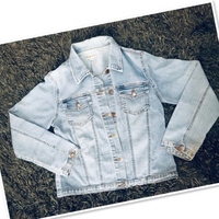 Used Jeans Jacket for Her size: S/M 💙 in Dubai, UAE