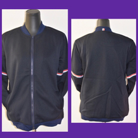 Used Unisex Jacket/ Medium  in Dubai, UAE