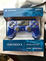 Used Sony ps4 game controller mastercopy blue in Dubai, UAE
