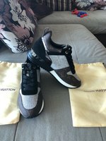 Used Louis Vuitton sneakers size 40 new in Dubai, UAE