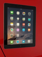 Used Ipad2 16gb wifi apple+free Items  in Dubai, UAE