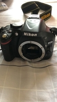 Used Nikon 5200  in Dubai, UAE