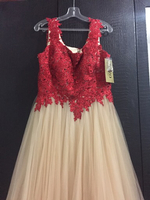 Used Wedding or evening dress  in Dubai, UAE