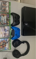 Used Xbox one with games and controllers and  in Dubai, UAE