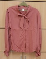 Used Shirt for her (L) + free gift ! in Dubai, UAE