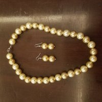 Used Gold pearl necklace n earings in Dubai, UAE