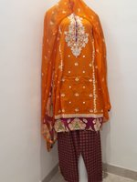 Used Stitched Cotton/Lawn Pakistani suit in Dubai, UAE