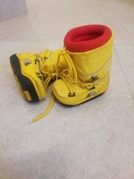 Used Kids winter shoe size 25 never used in Dubai, UAE