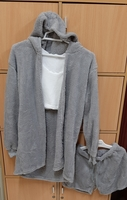 Used 3 pcs suits for her, M size in Dubai, UAE
