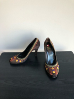 Suede embroidered pumps size 40 new