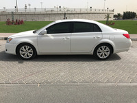 Used Toyota Avalon Model 2010 in Dubai, UAE