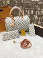 Used Louis Vuitton 3 in 1 set of bag in Dubai, UAE