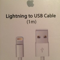 Used Cable Usb Lightning + Adaptateur Secteur  in Dubai, UAE