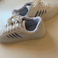 Used White Woman's Sneakers EU40 NEW in Dubai, UAE