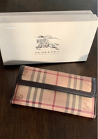Used Authentic Burberry wallet  in Dubai, UAE