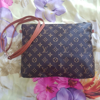 Used New Louis Vuitton Messenger Bag in Dubai, UAE