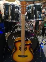 Used Brand New Acoustic GuitarSize 40With b in Dubai, UAE